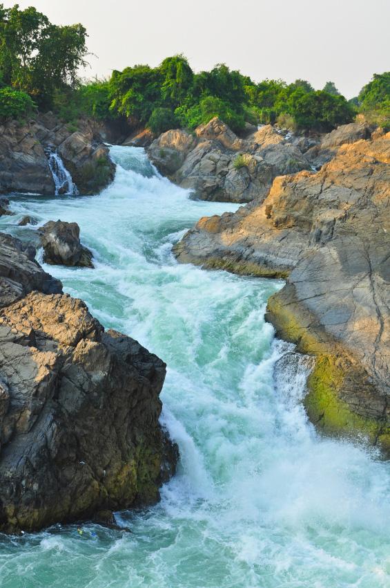 Li Phi Waterfall