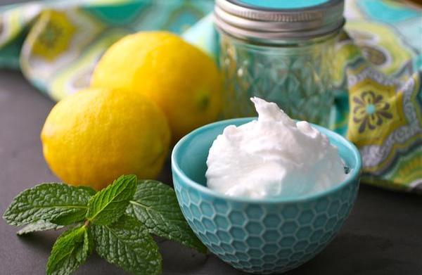 DIY lemon-mint body butter