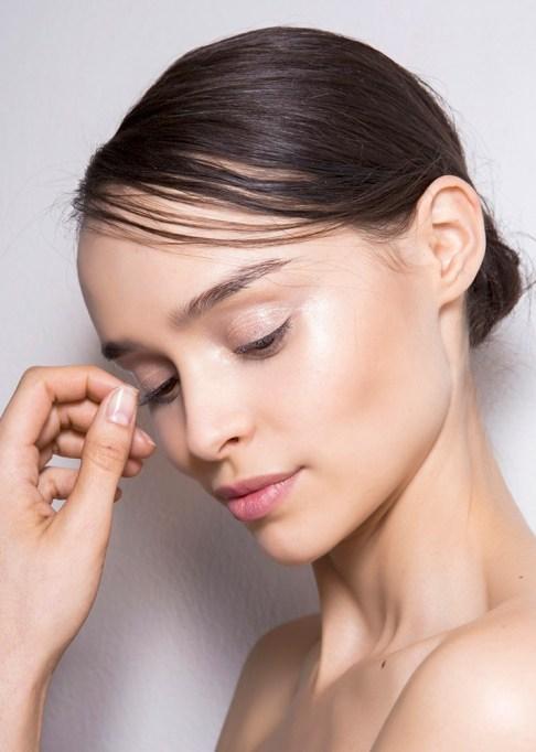 Low-Maintenance Summer Beauty Inspiration Ideas: Brown Hair Good Skin | Summer Beauty 2017