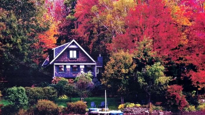 8 Amazing Airbnbs for a fall