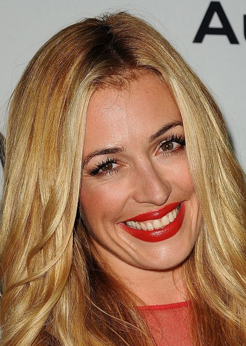 Celebs with lipstick of their teeth: Cat Deeley | Beauty Fails