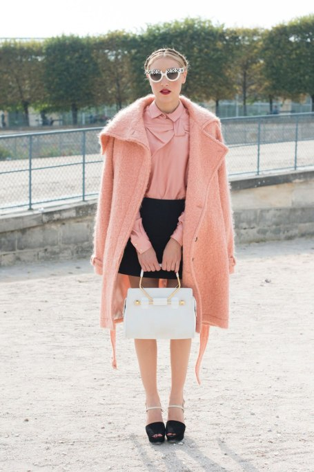 Ways To Wear Pastels This Fall | With a Touch of Pink