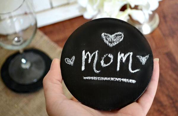 A handmade craft for Mother's Day:
