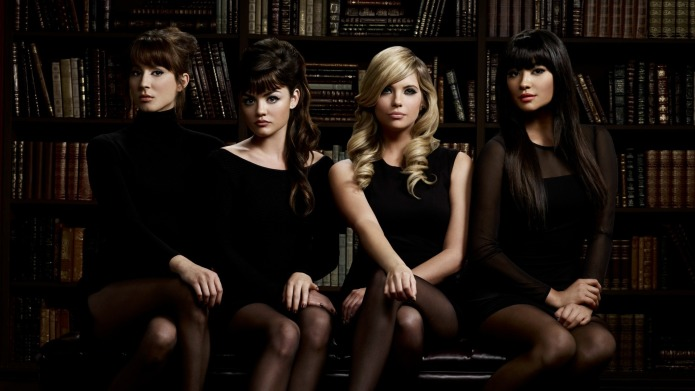 Pretty Little Liars: 32 Fun insider