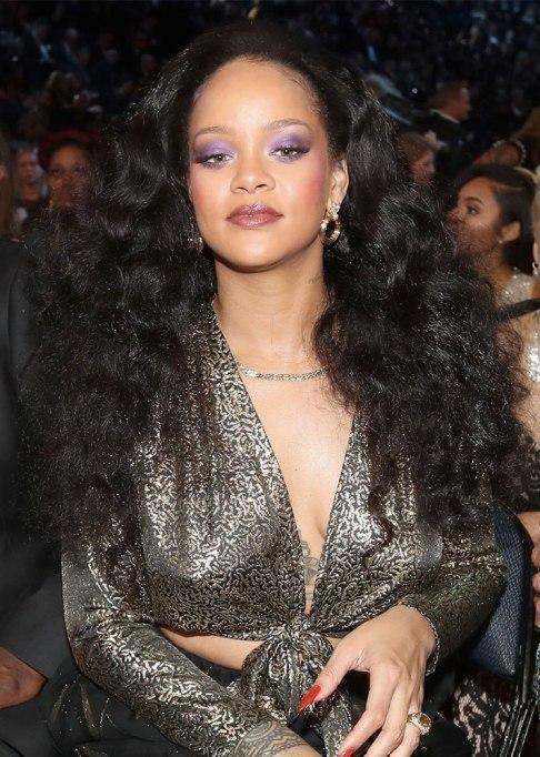 Rihanna Waves Hairstyle