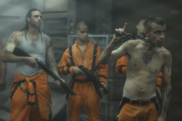 Lockout prisoners