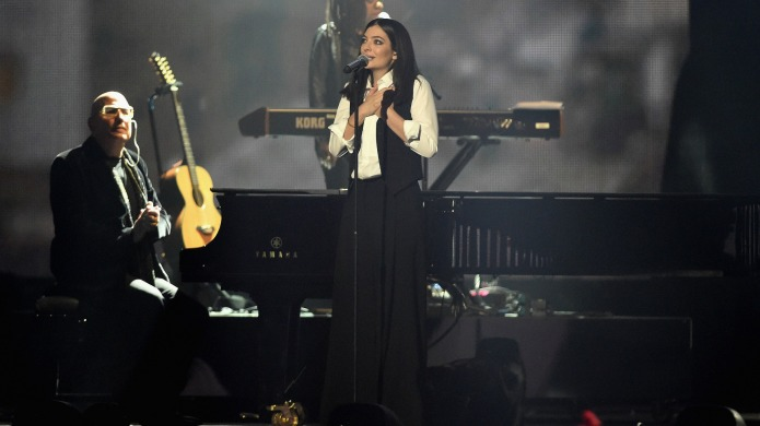 Lorde blows everyone away with Brits