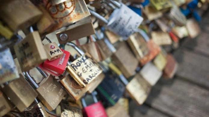 Paris' famous 'Love Locks' display being
