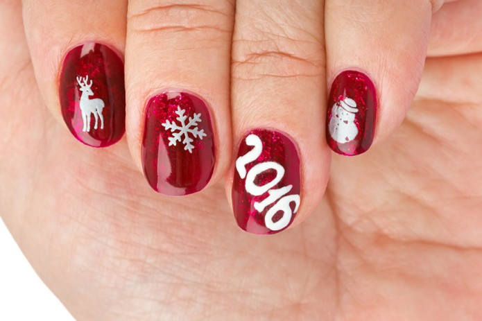 10 best Christmas nails you can