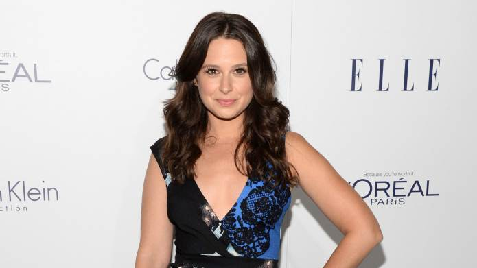Scandal's Katie Lowes Is Leaving Gender