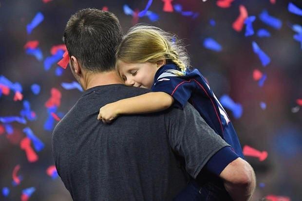 It looks like Tom Brady's favorite job is being a dad