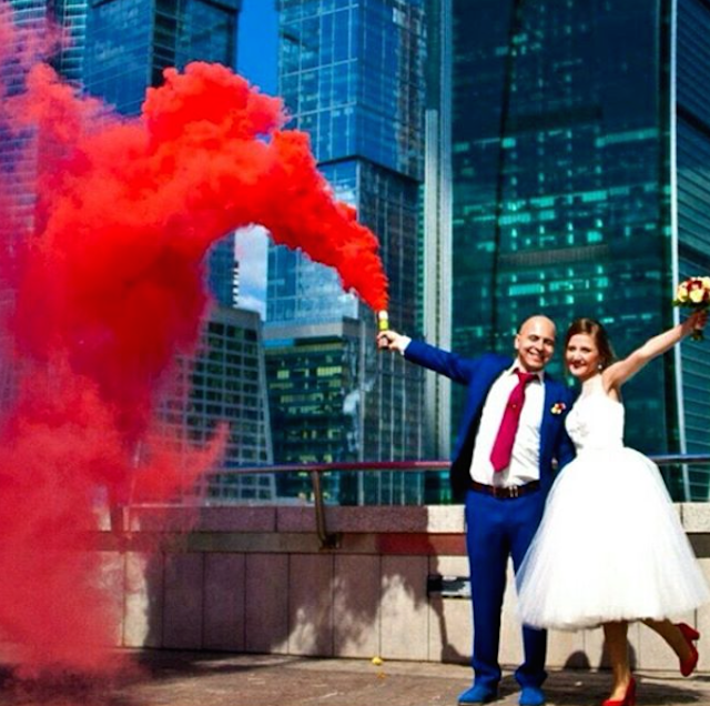 wedding smoke bombs