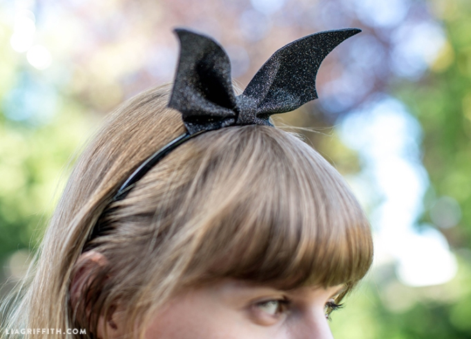 7 Super-Easy (Yet Totally Adorable) Halloween Crafts: DIY Bat Wing Headband