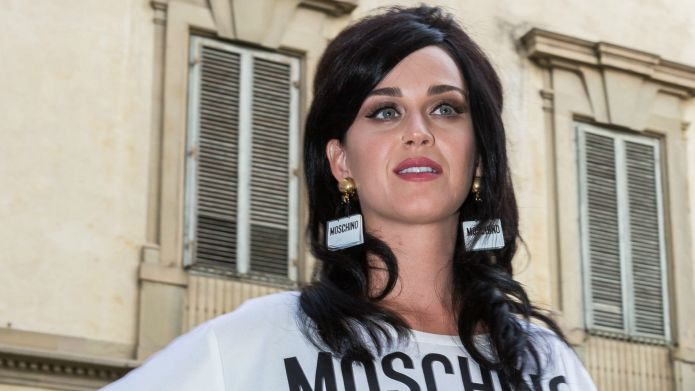 Katy Perry supports Instagram page that