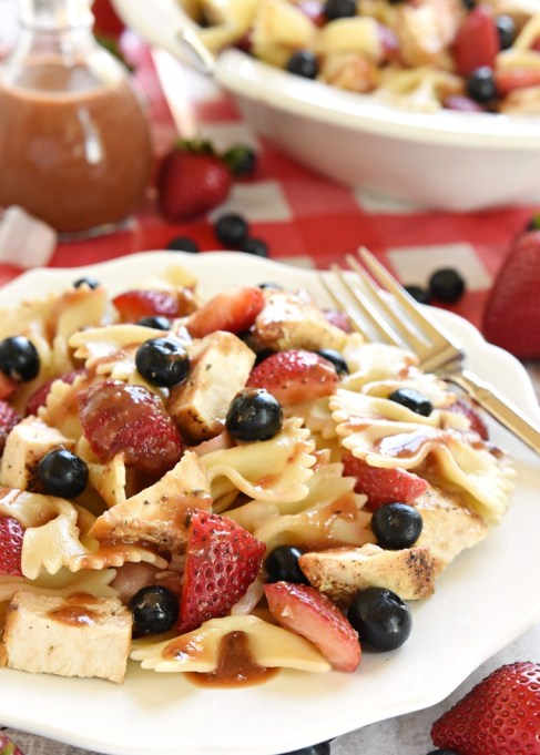 Chicken-berry pasta salad
