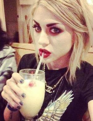 Frances Bean Cobain rips on Kendall