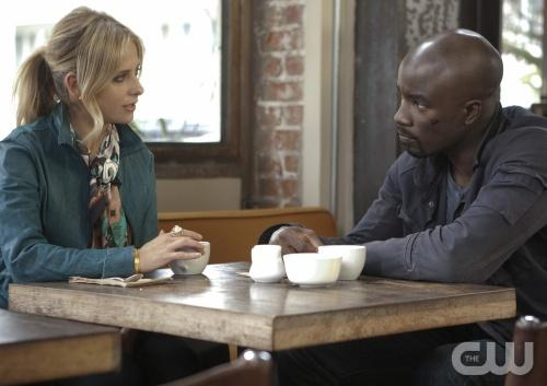 "Ringer preview: ""Shut Up and Eat"
