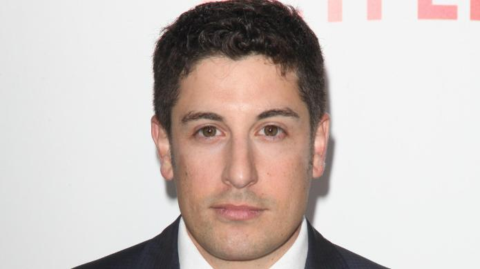 Jason Biggs mocks fallen Bachelorette contestant