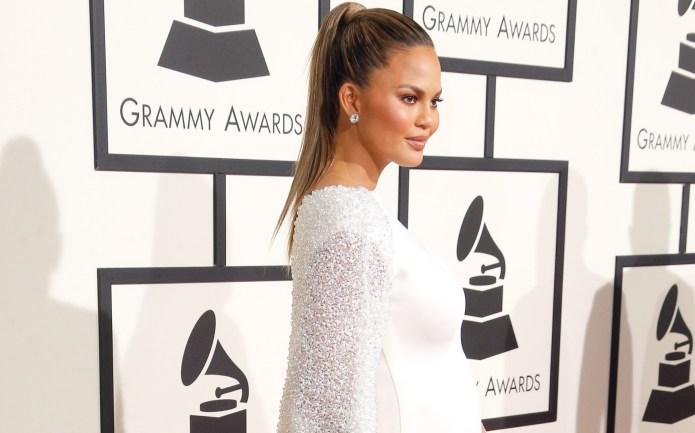 Pregnant Chrissy Teigen owns the Grammys