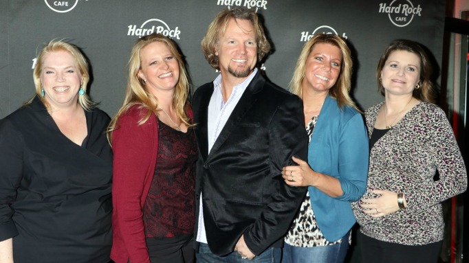 sister wives have 18 children