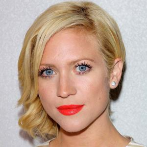 How to wear orange lipstick like