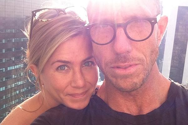 Jennifer Aniston, Chris MacMillan