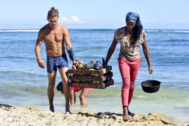 Malcolm Freberg works with Michaela Bradshaw on Survivor: Game Changers