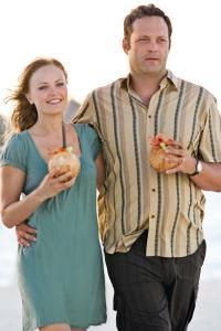 Malin and Vince do Bora Bora in Couples Retreat