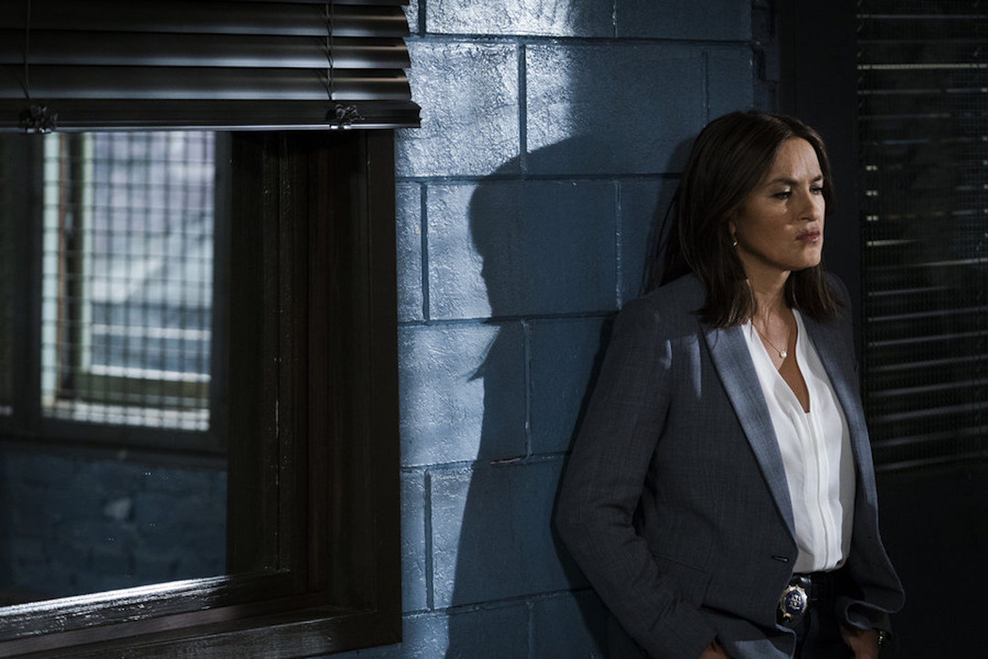 Mariska keeps it cool