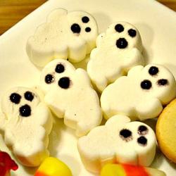 Mini marshmallow ghosts