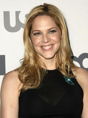 Mary McCormack at the In Plain Sight premiere