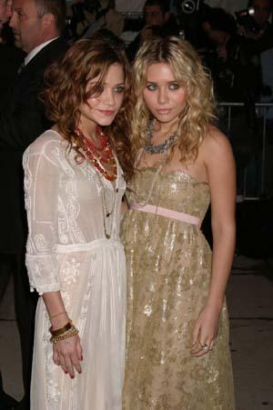 Mary Kate and Ashley Olsen popularized boho chic