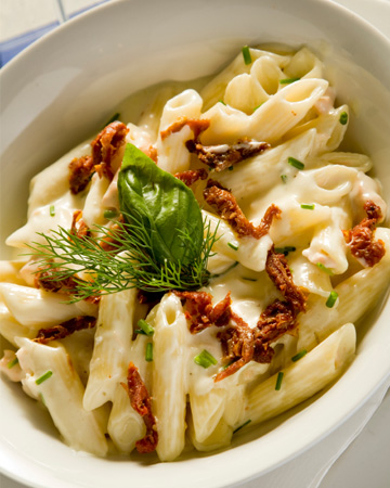 Mascarpone penne with sun-dried tomatoes