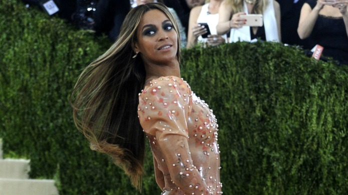 People are still pitting Beyoncé against