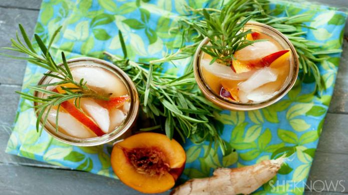 Thirst-quenching iced rosemary-ginger peach green tea