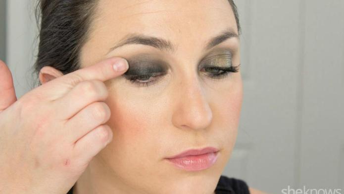 Black-tie makeup in 10 min or