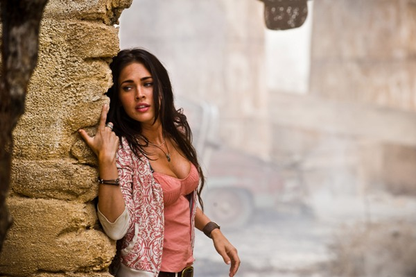 Megan Fox and Transformers: Revenge of the Fallen clean up