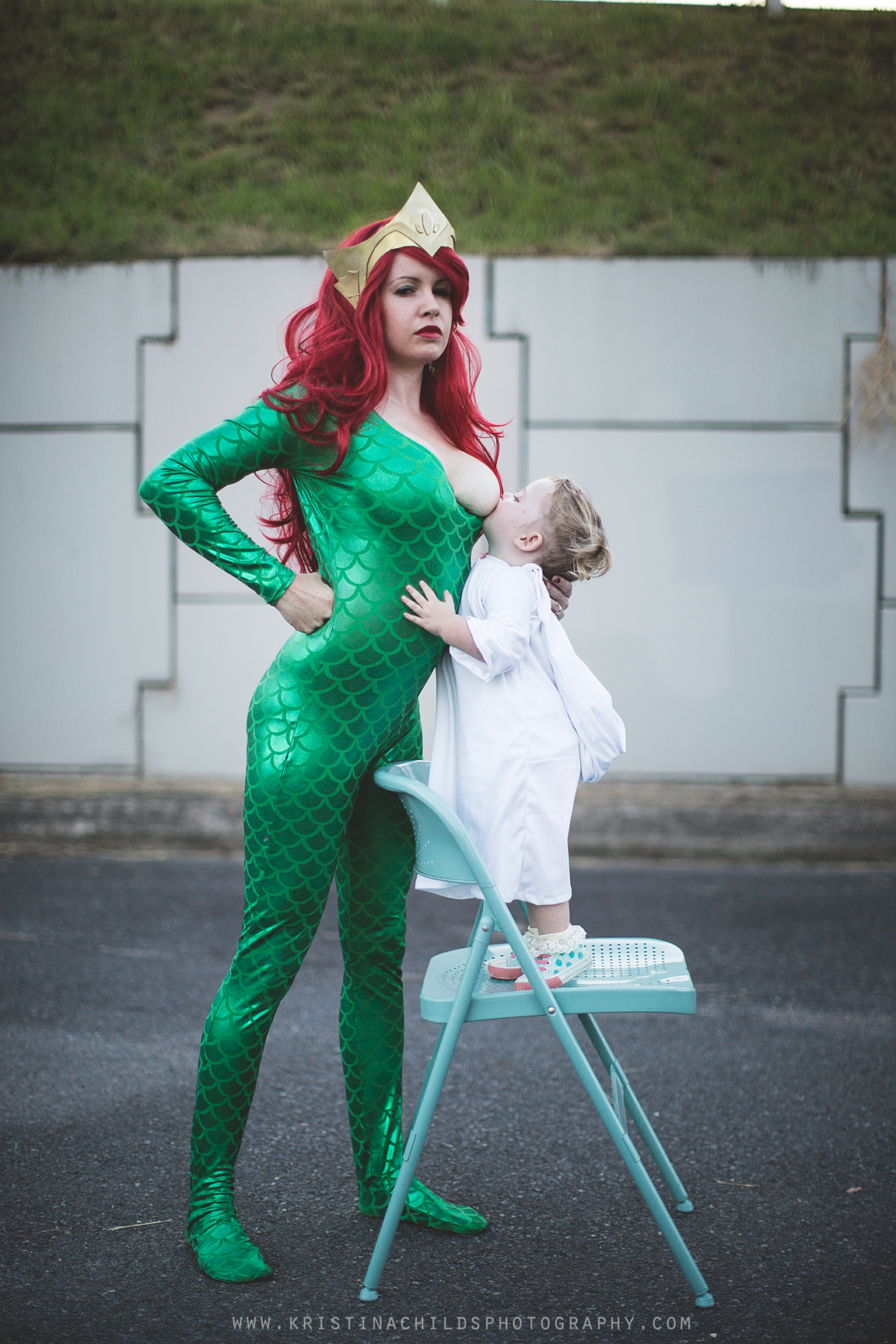 16ad8de4a61cb Breastfeeding cosplayer stands up for every superhero mom – SheKnows
