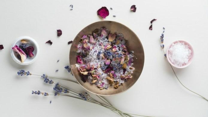 DIY Eucalyptus & Vanilla Bath Salts