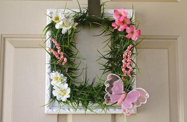 Make a picture frame wreath for