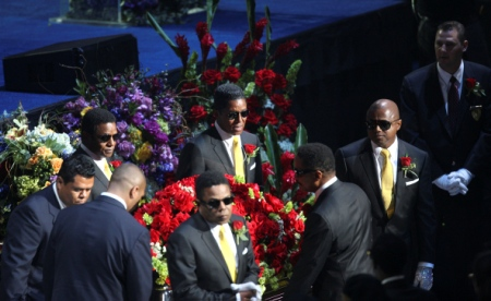 The brothers Jackson pay tribute to their brother Michael