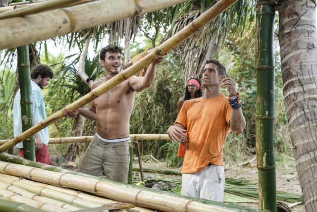 Michael Yerger builds shelter with Brendan Shapiro on Survivor: Ghost Island