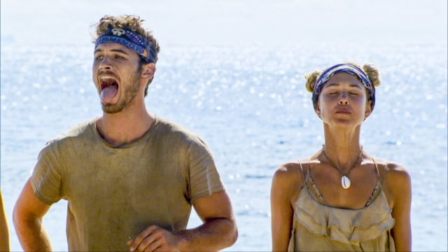 Michael Yerger and Libby Vincek compete on Survivor: Ghost Island