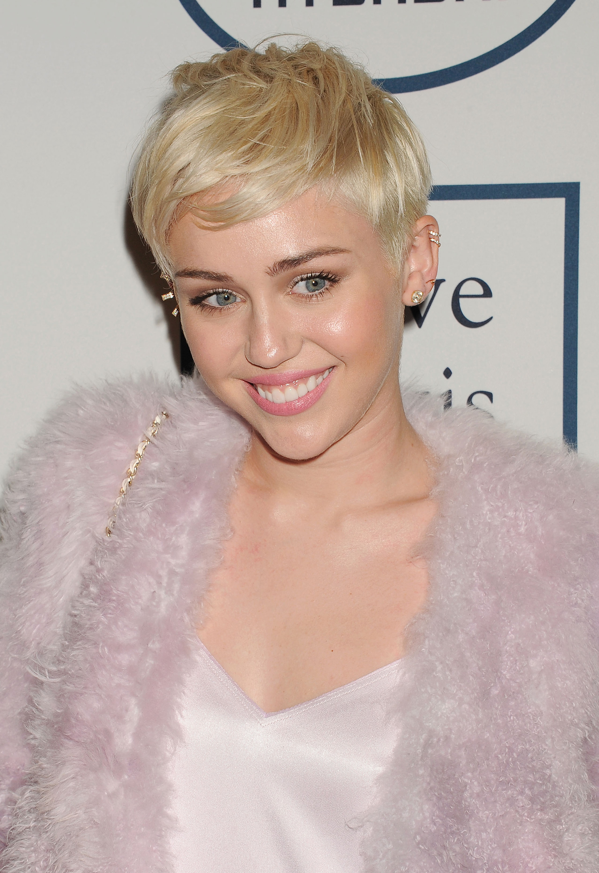 Miley Cyrus' pixie cut