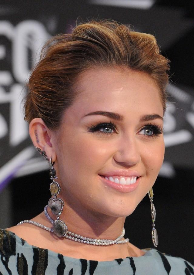 Miley Cyrus updo
