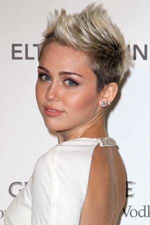 Miley Cyrus doesn't have time for Liam Hemsworth