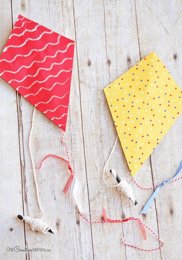 Mini paper kites summer activity