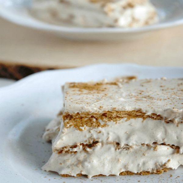 Easy No-Bake Thanksgiving Desserts: Pumpkin-Spice Eclair Cake