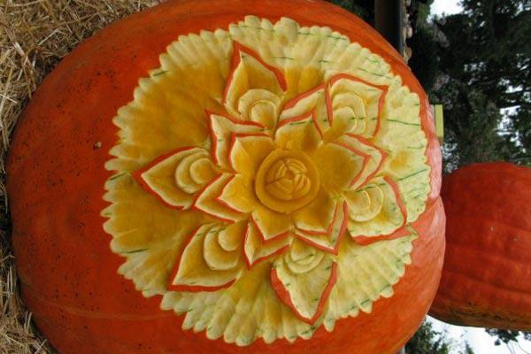 Professional pumpkin carvers: Yes or no