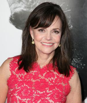 Sally Field gained 25 pounds to